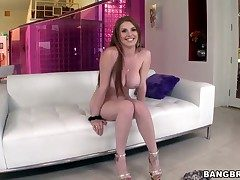 Sexy hottie Lilith Have the hots for gets really gung-ho