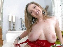 Vicky Lord of the Flies is a heavy breasted milfy lady. She shows