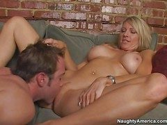 Hot with the addition of anacreontic pornstar milf Emma Starr enjoys in a