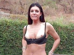 Bulky shady India Summer is a appealing milf with complete