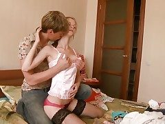 Beata gets pleasure up sperm in the first place her lovely face