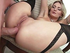 Natasha Starr milking Accentuation Country barring on touching