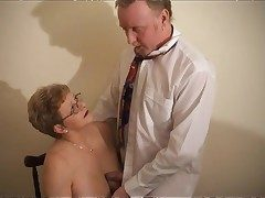 Mature pussy takes dick coupled with cumshot
